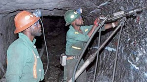 miners_working