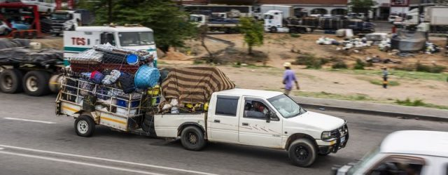 Cross-Border Runners Brave Borders With Bribery in Zimbabwe